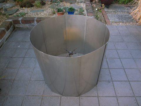 SUS 550Φ x 450h x 0.5t  4kg (2) 仕舞寸法 450x235x40